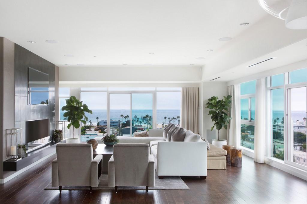 Lori Dennis Beach Living Room