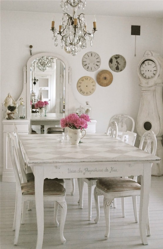 DigsDigs.com. French Dining Room