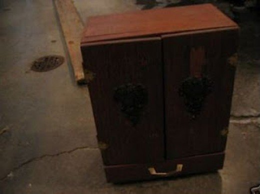 Can Furniture Be Haunted?   The Dybbuk Box