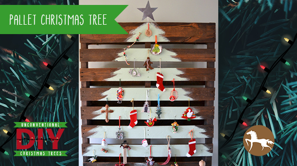 Unconventional DIY Christmas Trees - Pallet Christmas Tree